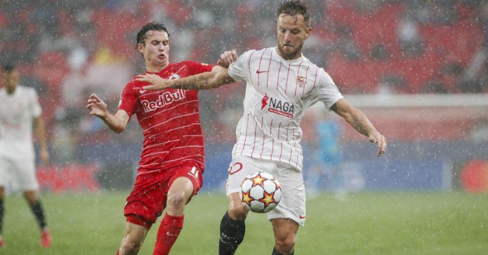 Ισοπαλία ανάμεσα σε Σεβίλλη και Σάλτσμπουργκ σε ένα τρελό ματς με τέσσερα πέναλτι και μια κόκκινη