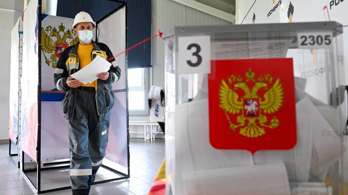 Στις κάλπες οι Ρώσοι – Συναγερμός στο σύστημα Πούτιν – Τα τεχνάσματα, το μήνυμα