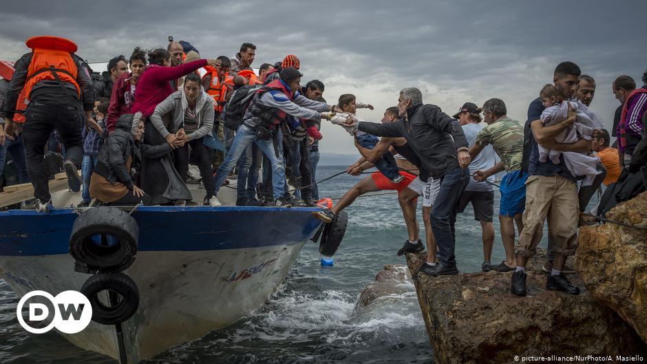 Το Αιγαίο πεδίο πολιτικών αντιπαραθέσεων στο μεταναστευτικό | DW | 15.09.2021