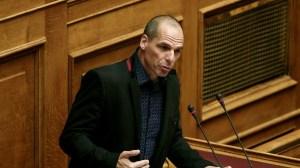 Βουλή: Ερώτηση Βαρουφάκη σε Μητσοτάκη για αύξηση του κατώτατου μισθού