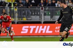 Serie A: Η Βενέτσια λύγισε τη Φιορεντίνα κι ανάσανε (video+photos)
