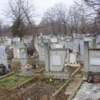 Най-честите грешки, които правим, когато ходим на гробище, а дори и не знаем