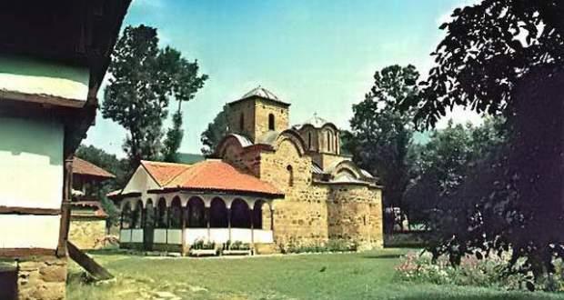 Олтарът на наш манастир лекува и дарява с рожби