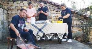 Тайните рецепти на семейство Панови или как се прави туршия по изборно време