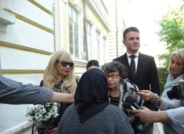 Стоянка Мутафова е жива и здрава