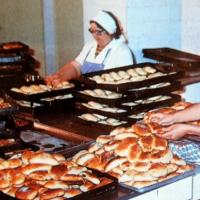 Нямаше коронавирус по времето на соца: Заводският хляб беше 15 ст., билетът за трамвай – 4 ст.