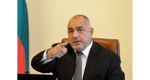 Борисов нареди: Мангъров го ваксинирайте публично!
