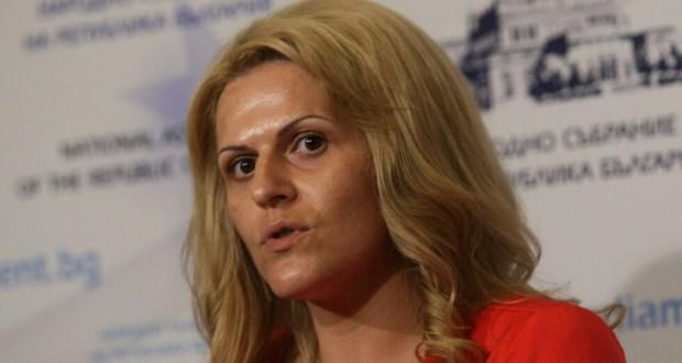 Депутатка от ГЕРБ счупи рекорда по пътувания: Изминала е 60 000 км. за 1 620 000 народна пара!