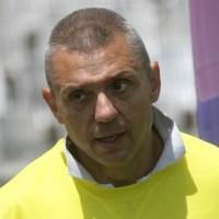Крум Савов: Бойко, мафиот такъв, ние тънем с малки заплати в жилища на кредит, докато ти ни крадеш от парите!