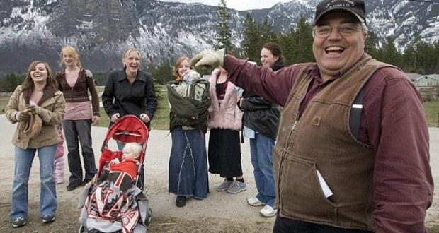 Канадецът има 27 съпруги и 145 деца
