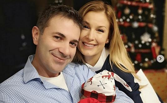 Ето го порасналото бебче на Венелин Петков и Николета Маданска - вижте 1-месечния Йоан (Снимки)