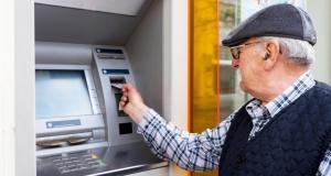 Асен Василев категоричен: Няма да оставим пенсионерите да мизерстват!