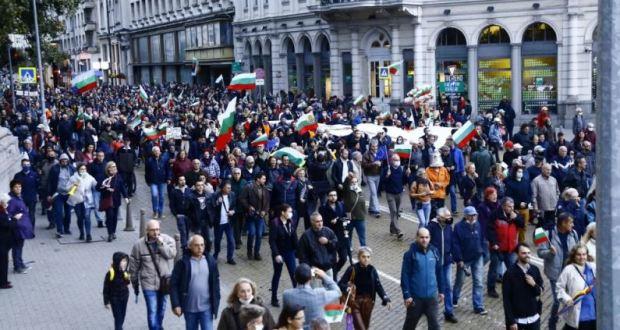 Ужас в държавата! Стотици хиляди на протест срещу рекордните цени на тока