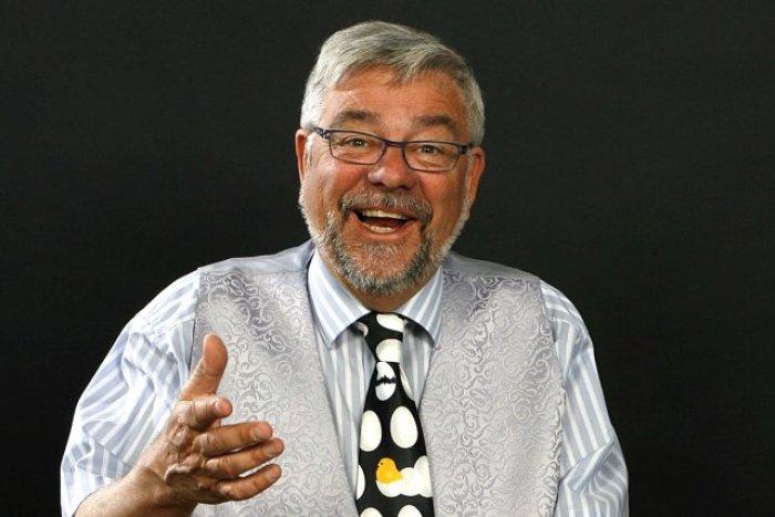 Jan Monrad, som mange husker ham, med smil på læben. PRfoto.