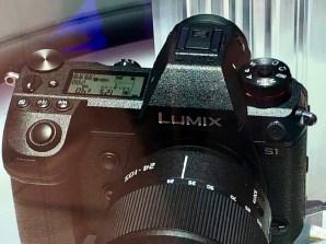 Die Lumix S ähnelt der G9 sehr