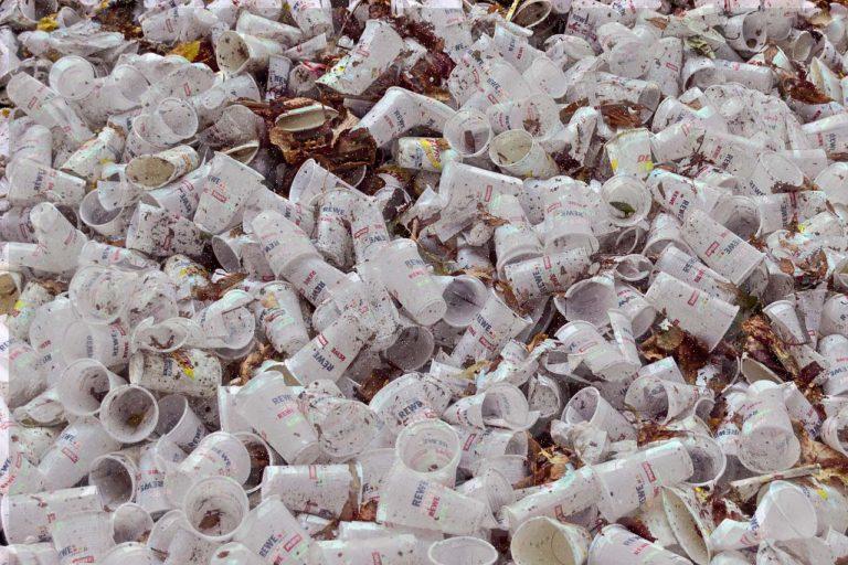 Oficialmente esta es la primera comunidad libre de plástico en el mundo.