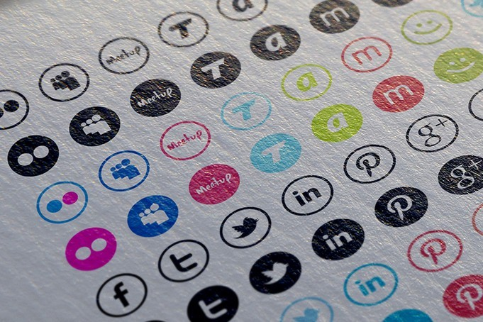Free vector icons of 17 social networking