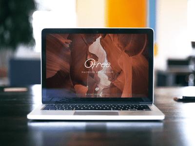 Free MacBook Mockup PSD