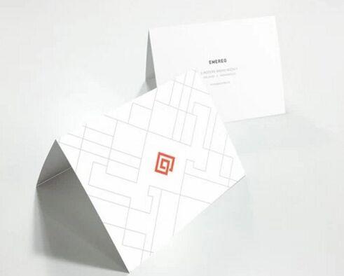free-greeting-card-mockup-psd-download