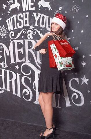 free-christmas-shopping-bag-mock-up-in-psd