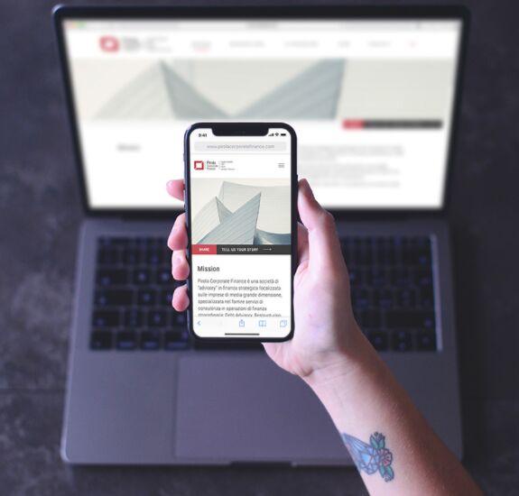 iPhone X - Free Responsive Mockup
