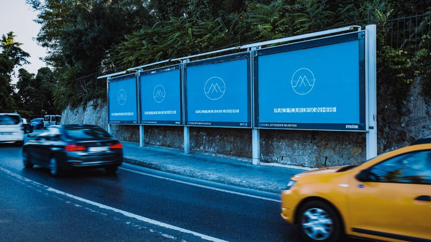 Free Advertising Outdoor Mockup