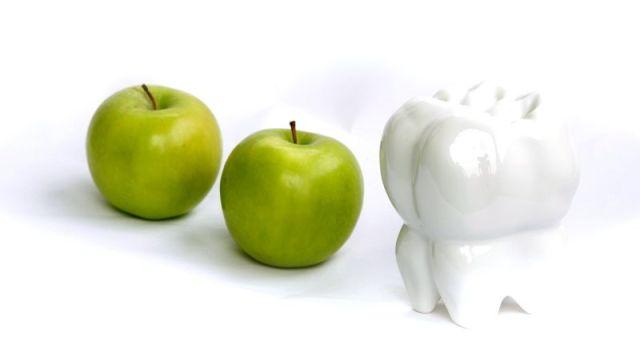 Startseite Apfel Zahn