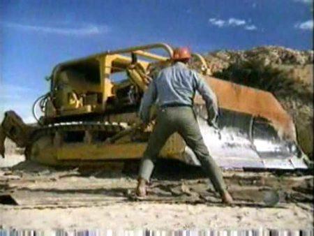 Still from Killdozer (1974)