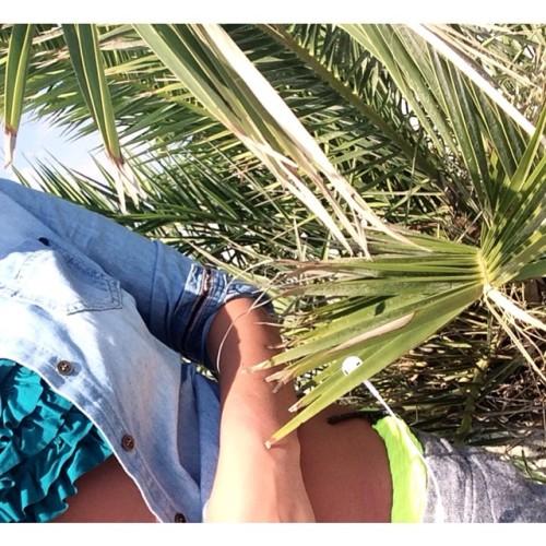 Getting tan🌴 (at Cocus Beach Bar - Παραλία Κατερίνης)