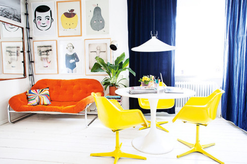 myidealhome:  virbant colors and fine art (via Homelife / ph. Jenny Brandt, st. Kicki Wieslander / Virginia Jen)