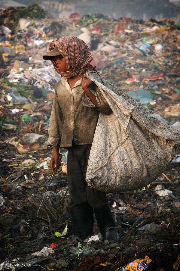 Uno studio giapponese ha rilevato un livello di diossina nel suolo pericolosamente alto, e un'elevata concentrazione di metalli pesanti nel metabolismo dei bambini che vivono nella discarica