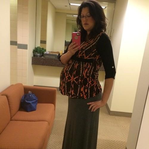 I swear I doubled in size overnight! #31weeks #yesimthatgirlthattakesselfiesintheofficebathroom