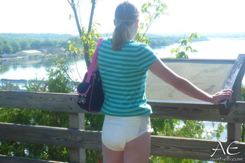 Girl wearing diaper public adult-porn pic