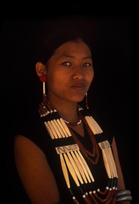 iseo58:  India, Phom. Mombol, Nagaland, © Patrick de WILDE