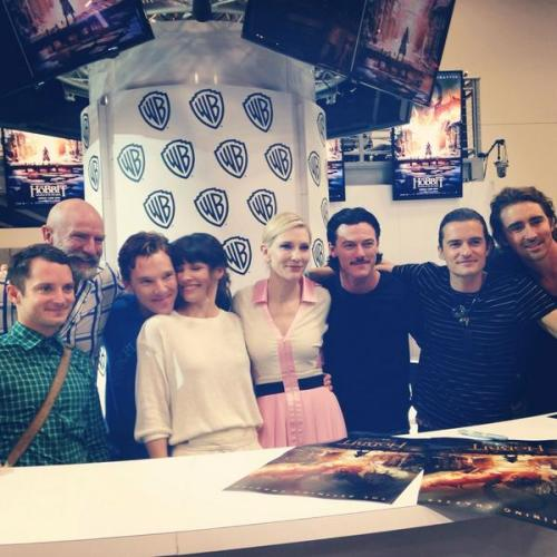 TheHobbitMovie </p> <p>The cast of #TheHobbit at #SDCC! </p> <p>