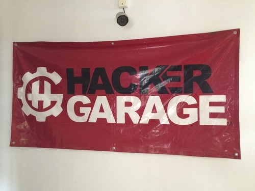 "Sign taht says ""hacker garage"""