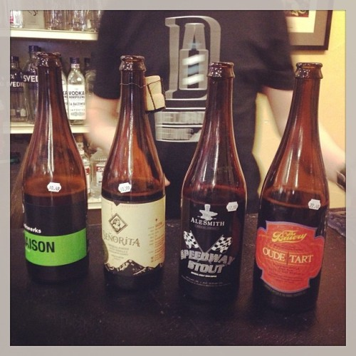 Who doesn't love a good beer tasting? Big thanks to my favorite place, Little's Wine and Spirits! (The have a beer cave that's amazing) #drinkandspoon #alesmith #funkwerks #thebruery #elevationbeerco #craftbeer