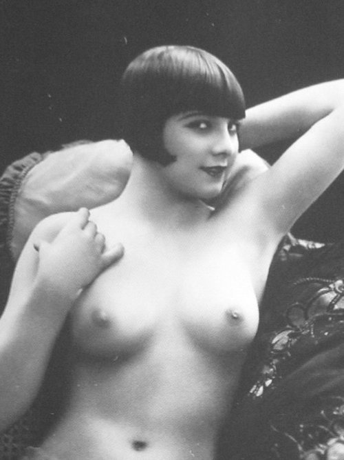 giftvintage:  Louise Brooks  Louise Brooks and her lovely breasts.