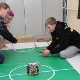 Идеи и перспективы управляемого футбола роботов