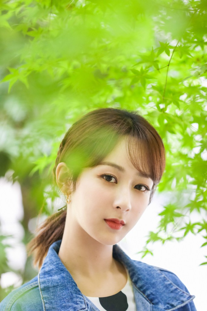 """Yang Zi Shares Thoughts on Being Labeled as a """"Traffic Volume Celebrity"""""""