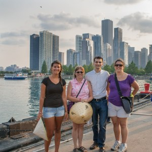Chicago sightseeing boat tours are fun and meet at Navy Pier
