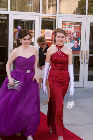 Glamorous Hollywood Walk at Prom 2012