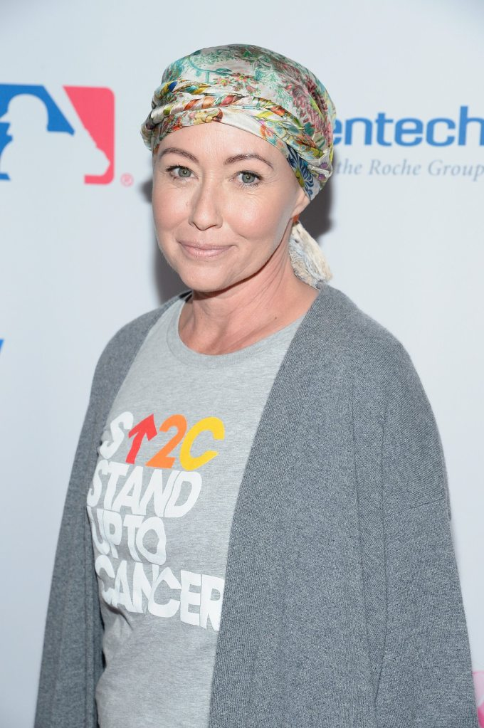 shannen doherty has a pixie cut after chemotherapy - simplemost