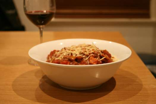 red wine pasta sauce photo