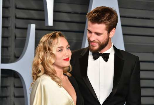 miley cyrus liam hemsworth photo