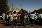 المعارضة تحشد لجولة جديدة ومظاهرات واطلاق نار في احياء الخرطوم