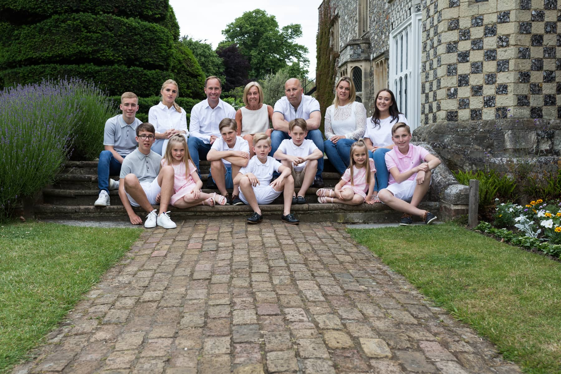 extended family grandparent and cousins at Bexley family photoshoot