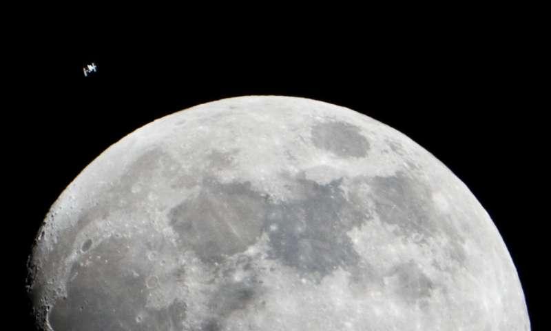 Pesquisador da WSU vê possibilidade de vida na Lua