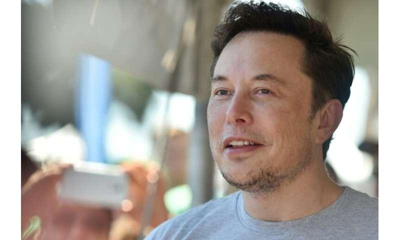 El director ejecutivo de SpaceX, Elon Musk, ha presentado las primeras imágenes de un cohete de acero de aspecto retro llamado Starship que quizás algún día se lleve a cabo.