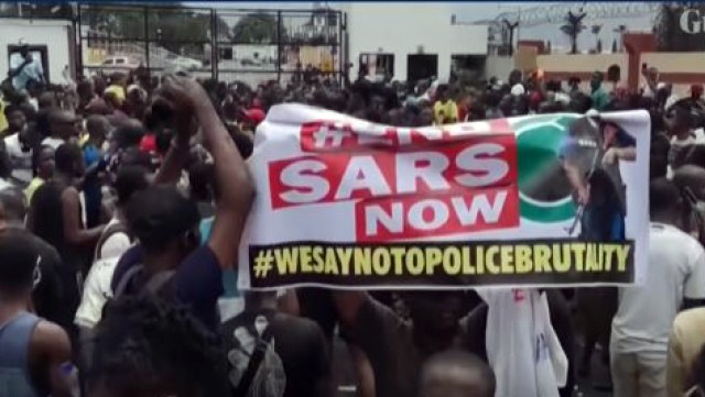 Nigerians in Lagos and other communities are protesting alleged police brutality and killings by the Special Anti-Robbery Squad (SARS) and other police. The Guardian screen capture